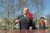 Путин возложил цветы у Кремлевской стены