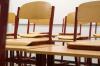 Жители Петербурга просят губернатора и президента спасти школу