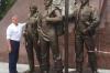 «Комсомольцы во всем были первыми». Александр Моор открыл памятник покорителям Западной Сибири