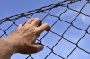 Сотрудник УФСИН за взятку хотел досрочно освободить заключенного