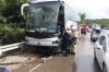 В Крыму столкнулись автобус и  грузовик. На трассе образовалась пробка