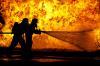 Крупный пожар в томской пятиэтажке тушили несколько часов