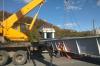 Упавший мост уберут с трассы кранами во Владивостоке