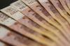 Минимальная зарплата петербуржцев увеличится на тысячу рублей