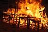 Людей вытаскивали через окно. Новый пожар случился в томском селе