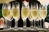 В России из-за отравлений предложили продавать шампанское в новогоднюю ночь