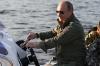 Президент Международной автомобильной федерации подарил Путину именной гоночный шлем