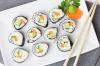 В кемеровской службе доставки суши разгулялись тараканы