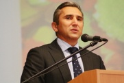 Александр Моор рассказал о самом трудном своем решении