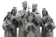 Памятник раздора: конфликт вокруг установки монумента царской семье в Кирове набирает обороты
