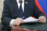 Коррупция, пенсионный возраст, выборы и инвестиции. Эксперты АПЭК назвали факторы устойчивости губернаторов России