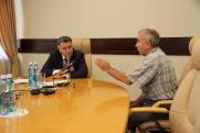 Помощь и поддержка: Андрей Шимкив провел личный прием сибиряков