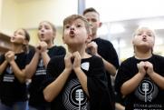 «Дети – детям»: в Челябинске оперу «Кошкин дом» исполнят 55 юных артистов