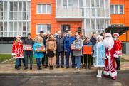 Глава Анапы Поляков вручил ключи от квартир
