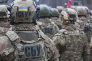 Порошенко поручил искать у госслужащих родственников в Крыму