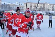 Воробьев сделал вбрасывание шайбы на товарищеском матче между командами «Легенды хоккея» и «К-21»