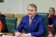 Вызов принят. Российский сенатор готов отправиться на дуэль с толкнувшим Скабееву депутатом Рады