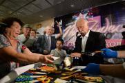 Академик РАН призвал закрыть «Поле чудес» после давки пенсионеров из-за еды
