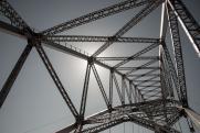 Ямальская забава «от тоски ругать все новое» ударила по репутации моста через Пур