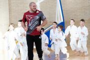 Звезды RCC Boxing провели тренировку для детей в Карабаше