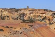 На незаконном руднике в Индонезии после оползня под завалами оказались 60 человек