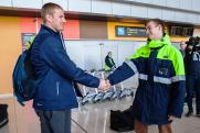 Фанаты «Уральского трубника» встретили команду в аэропорту Екатеринбурга