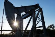 «Дешевеющая нефть тянет за собой вниз и рубль»