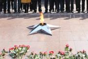 ФСБ помогла задержать вандалов, засыпавших землей вечный огонь в Уссурийске