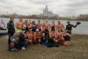 В Иркутске 25 «моржей» проплыли полтора километра по Ангаре