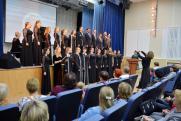 Концерт в честь дня пожилого человека подарили студенты ветеранам «Самотлорнефтегаза»