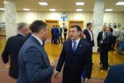 «Это хорошее решение, когда сильный губернатор возглавляет партию в регионе». Андрей Травников стал лидером ЕР