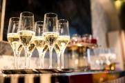 Стали известны регионы с самым дешевым и дорогим игристым вином