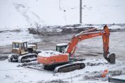 Петербуржец воспользовался услугами экскаваторщика, чтобы закопать бочку с трупом матери