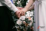Иностранцы часто приезжают в Петербург для заключения брака