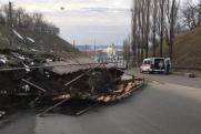 В Нижнем Новгороде из-за оползня на Похвалинском съезде изменят маршруты транспорта