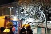 В Самаре аварийный дом рухнул на стоящую рядом одноэтажку