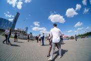 «Мы ловим грустинку». Екатеринбургские выпускники готовятся к последним онлайн-звонкам