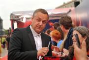 «Они несут личную ответственность». Актер Андрей Соколов прокомментировал «нацистскую выходку» на «Бессмертном полку»