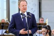 Виктор Томенко ответил на слухи о своей отставке и переезде в Москву