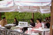Обед на воздухе. В Екатеринбурге открылись летние веранды кафе