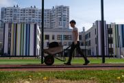 9 школ строят, еще 3 запроектированы. В Екатеринбурге постепенно приближаются к учебе в одну смену