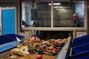 «Не на все отходы есть спрос». Эксперт о востребованности сортировки мусора на тюменском заводе