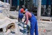Югорские стройки простаивают из-за отсутствия мигрантов