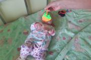 Свердловская «девочка из шкафа» начала играть и общаться