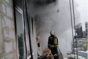 Екатеринбуржцев напугал дым от горящих стройматериалов