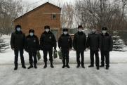 Спасших из пожара екатеринбуржца сотрудников ППС наградили за мужество