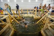 Крещенские купания на Урале в 2021 году проходят с улыбкой