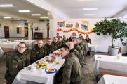 Новобранцы Вооруженных сил России начали осваивать курс молодого бойца