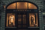 Еще один модный бренд начал создавать мужские платья