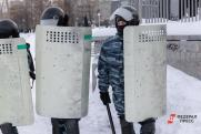В Петербурге и Москве оцепили главные площади